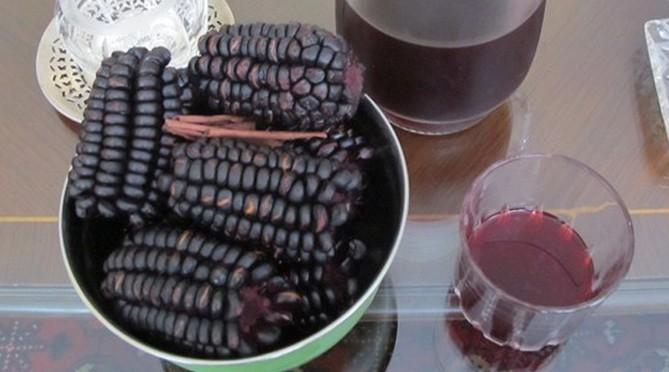 Rượu ngô tím thực tế không phải là rượu nấu từ ngô tím